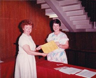 Fanny Knipe and a Volunteer at the 1984 Dallas PA